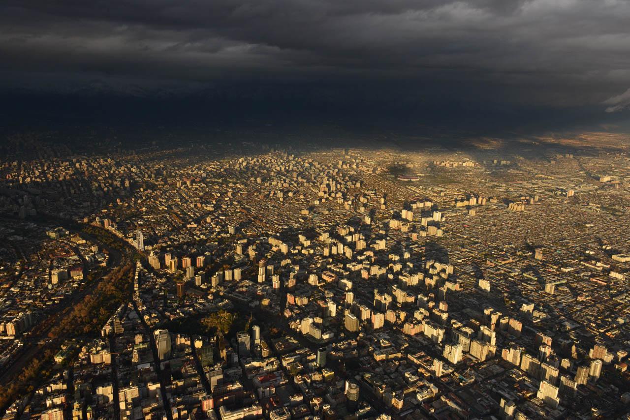 Santiago, entre la lluvia y el sol